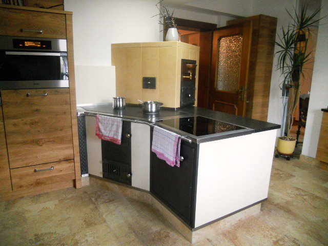 kachelofen kamin mader gerhard ihr hafnermeister macht ihren ofen mit garantie. Black Bedroom Furniture Sets. Home Design Ideas